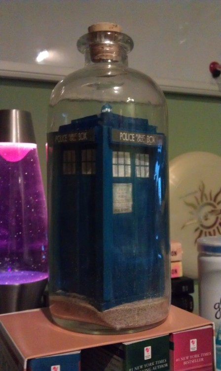 fuckyeahdoctorwho:  I made a TARDIS in a bottle.