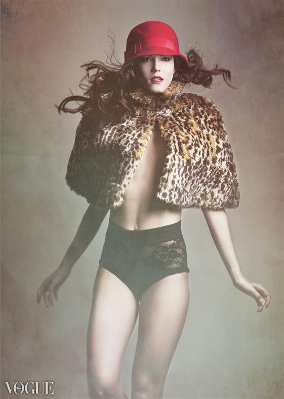 mesosavvystyling:  Photographed by Benjo Arwas Model: Angie Menze Makeup & Hair: Maira Gomez Wardrobe Stylist: Cara Bloom