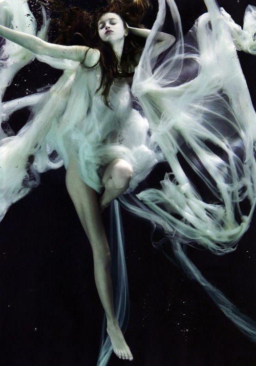 "russiansnowqueen:  ""Subaquatic Beauty"": Marcelina Sowa photographed by Alix Malka for Numéro Tokyo #15"