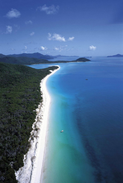 ex-oti-c:  puryfied:  fl-orish:  The Whitsunday's, Australia  I live near here and next to the Great Barrier Reef so boom  no.. jealous :'(