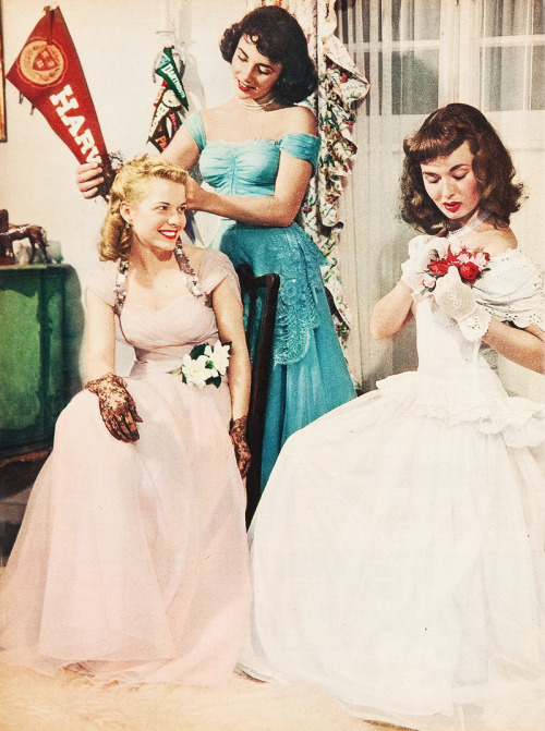 Elizabeth Taylor, Lois Butler and Ann Blyth get dressed for Elizabeth's first formal (1948)