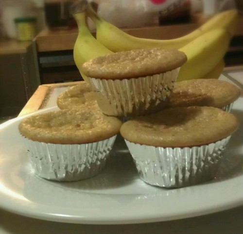 starsandsteel:  Banana Bread Protein Muffins. They're delicious. Ingredients: 1 cup mashed banana  3/4 cup egg whites 6oz plain Greek yogurt 1/2 cup oat flour 1/2 cup chopped walnuts 3.5 scoops vanilla protein powder (MRM) 6 packets stevia 1 tsp baking soda 1 tsp baking powder 1/2 tsp cinnamon Preheat oven to 350 degrees. Make sure to use a healthy dose of non-stick spray because these will stick. Mix all ingredients in a food processor. Pour mixture evenly into 12 muffin liners or tray. Bake 15-18 minutes. Enjoy! 112 calories, 9g carbs, and 10g protein per muffin.