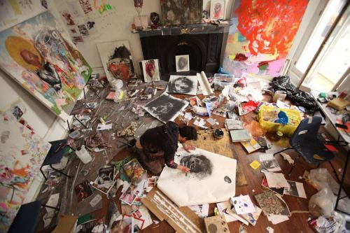 purebeachboho:  juxtapologist:  I want my own studio to be crazy in, with paint all over the walls and all over my fingers and dresses  this is perfect