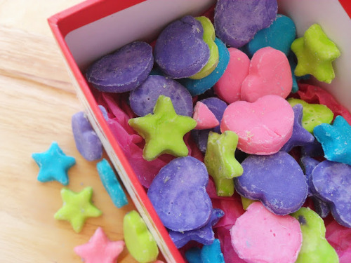 gastrogirl:  homemade candy hearts and stars.