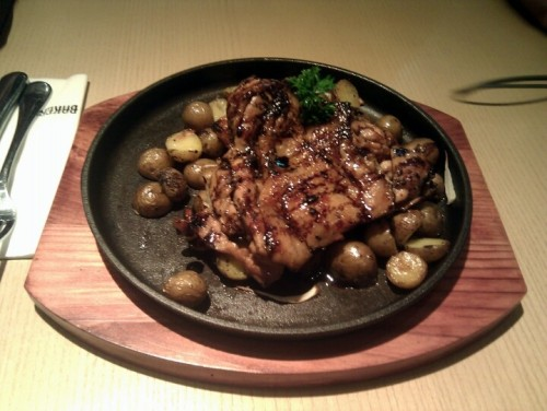 Chicken cutlet with baby potatoes @ Bakerzin (Photo by sutepasu)