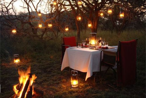 Talk about a candlelight dinner. This is very ideal. Outdoors and everything.