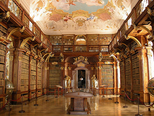 The Library of Melk Abbey, Asutria