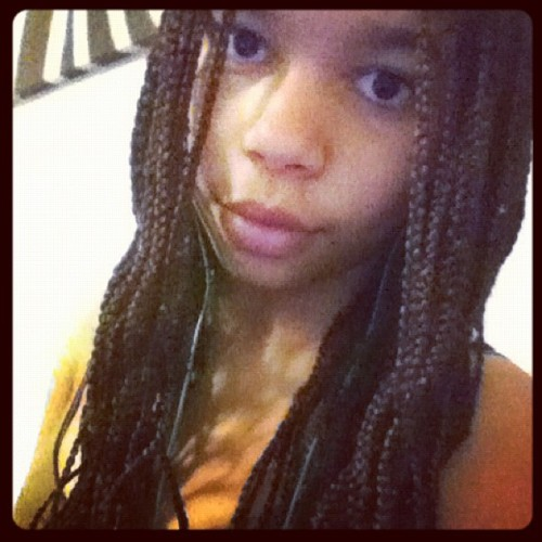 #african#girl#style#fashion#creol#swag#iphone#instagram#instamood#eyes#lips#gothenburg#sweden#2012#braids#mulato#studying#hardcore (Taken with instagram)