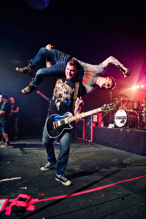 "jonathanweiner:  New Found Glory, 2012 Musink. Chad Gilbert pretending to body slam Yellowcard singer, Ryan Key.    This happened during ""my friends over you"" last night.   I can't get over how great the whole night was."
