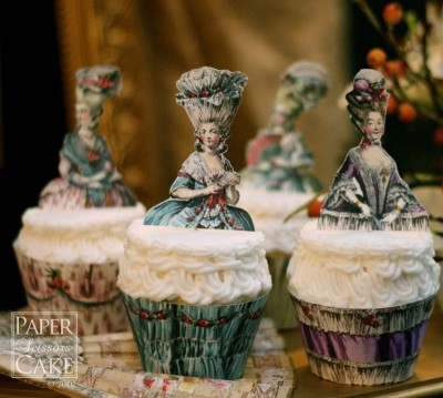 Such pretty cupcakes! | (via PaperScissorsCake.etsy)