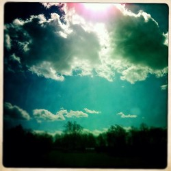 Going cloud crazy w/pictures! #hipstamatic #iphonography (Taken with instagram)