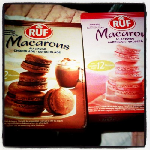 Macaron mix. #macaron #chocolate #strawberry #Europe #Netherlands #denbosch (Taken with instagram)
