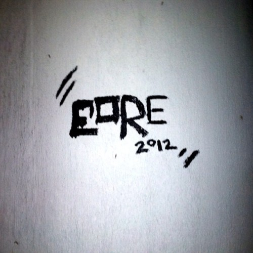 #EORE #ONtheRUN #eTee #streetart  (Taken with Instagram at under the drawbridge)