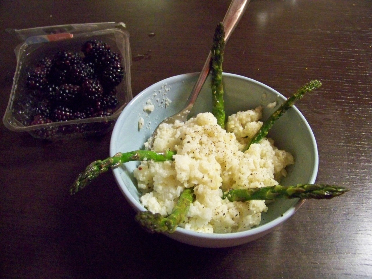 Sticky rice, scrambled egg, asparagus