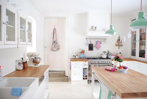 interieure:  My Kitchen (by yvestown)