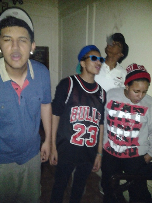kimboswaggedoutmind:  the creww i love these niggas That's me in the Jordan Jersey! lol