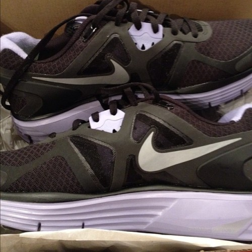 New running #kicks yay or nay idk whether to keep them or not #nike #insta #instagram #ig #igdaily  (Taken with Instagram at Finish Line)