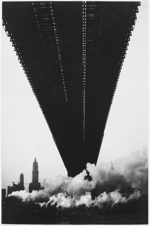 undr:  Walker Evans Brooklyn Bridge, New York, 1929