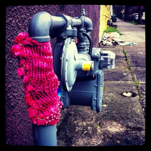 Yarn Bomb #yarnbomb #bomb #pink #streetart #yarn #knit #knitting #meter #meterporn #sepdx #pdx  (Taken with instagram)