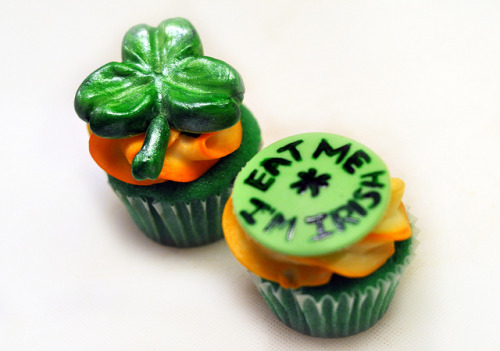 "St. Patrick's Day cupcakes, Shamrock & ""Eat Me I'm Irish"" by MomandPopsShop on Flickr."