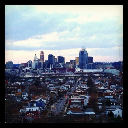 Cincinnati Skyline for Newport #cincinnati #cincy #downtown #skyline #cincinnatiskyline #ohio #instagram #iphone #iphone4s #picofday #photoofday  #instagramaday #popular #iphone4sonly #popularpage #igers #instagrammer #instagramhub #iphonography #iphoneography #igersohio #igerscincinnati #followgram #statigram #webstagram #iphonology #city #queencity #cityscape (Taken with Instagram at Newport, Ky)