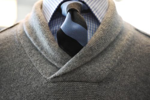 thetieguy:  another great sweater here! i really need something like this in my wardrobe!