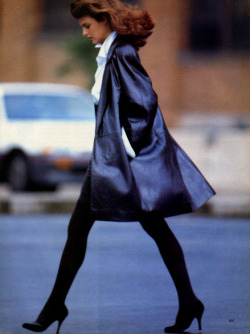 "80s-90s-supermodels:  ""No Stress Dressing"", Vogue US, September 1987Photographer : Alex ChatelainModel : Linda Evangelista"