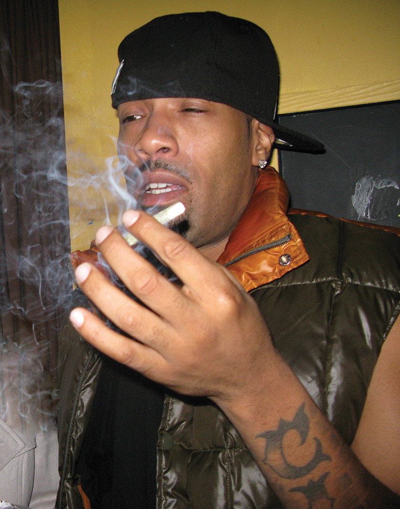 mfhighlife:  Redman flying a paper plane. http://mfhighlife.tumblr.com/