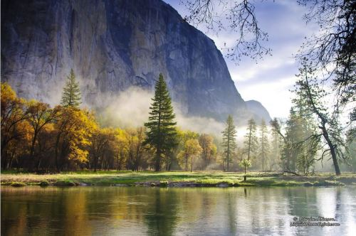Merced River, Yosemite National Park, California.