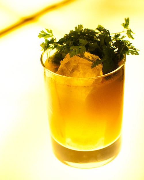 Kentucky Leftfootmichter's rye, house-made pear preserves, chervil - served on the rocks116 Crown / New Haven, CT