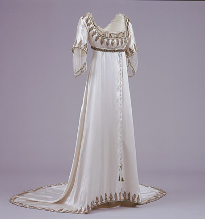 fripperiesandfobs:  Evening dress ca. 1911-13 From the Brighton & Hove Museums