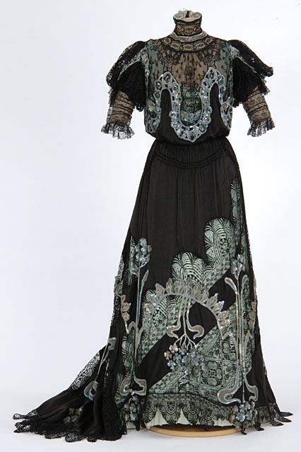 fripperiesandfobs:  Evening gown ca. 1904-08 From the Minnesota Historical Society