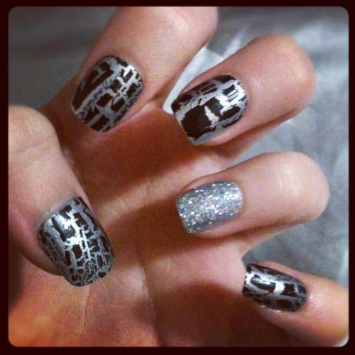 Every day nails.  I love the crackle black effect, it instantly makes anything look cool. I've tried the crackle black with lots of colours, and I feel it works best with silver. I decided to create something that would stand out, but was also easy to do. These nails definitely stand out. Barry M crackle black Barry M silver foil effect Loose glitter L.A Colours top coat