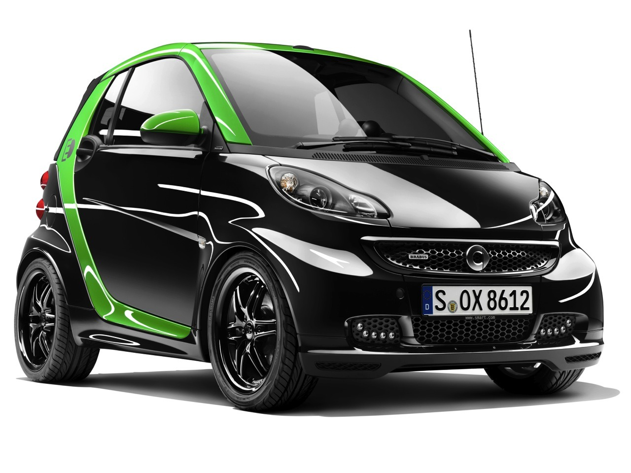 """Smart unveiling Brabus-edition Fortwo EV, e-bike in Geneva"" Daimler's Smart minicar  division will unveil both a battery-electric version of the Smart Brabus  special-edition line and a Smart Brabus electric bike at the Geneva Motor Show this year. The Smart Brabus electric drive Fortwo will be available in 12 countries by the end of the year. Parent company Daimler notes the model will include touches such as 17-inch alloy wheels, an  ""electric green"" interior. The diminutive runabout will deliver about 80  horsepower, though the German automaker hasn't specified a  single-charge range. Meanwhile, Smart's Brabus ebike will have an electric motor that will  deliver 500 watts of power, enough for a top speed of 25 miles per hour.  It will also be available at Smart dealers by the end of the year."