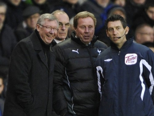 Sir Alex Ferguson chats with Tottenham Hotspur manager Harry Redknapp and fourth official Lee Probert