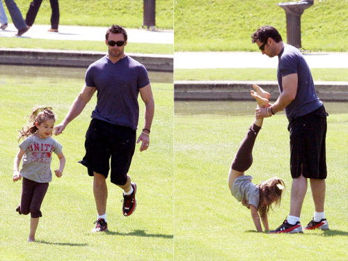 celebrity-kids:  PLAY TIME WITH DADDY Hugh Jackman fun working out time with daughter Ava