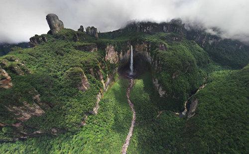 The World's Highest Waterfall | Angel Falls, Venezuela©Dmitry Moiseenko