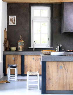 micasaessucasa:  a beautiful rustic kitchen