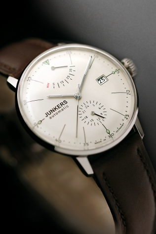 The Junkers Bauhaus 6060 is a Max Bill inspired auto with power reserve and 24-hour sub-dials.