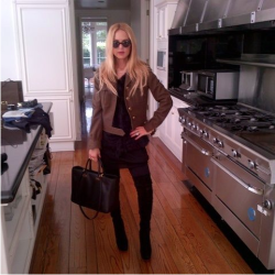Look of the week: lunch at Newsroom with Jzoo! http://bit.ly/Adr5VO xoRZ
