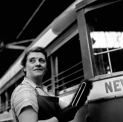 Esther Bubley, Pittsburgh, Pennsylvania. Woman cleaner at the Greyhound garage, September 1943. Source: Library of Congress