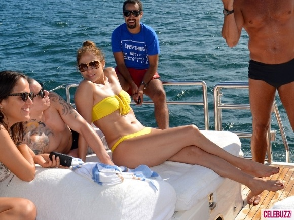 celebuzz:  Jennifer Lopez shows off her bikini bod and her boyfriend in Brazil. Click here for more pics of the couple enjoying some yacht time.  Dang, J-Lo! Hot mama!