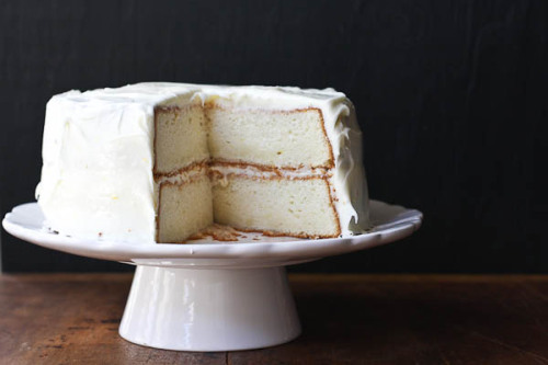 bella-illusione:  lemon layer cake with lemon cream cheese frosting
