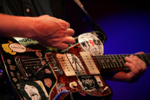 guitar-porn:  Fender Jazzmaster and the hands of Thurston Moore of Sonic Youth. Iflybikes has unearthed a fantastic cover by Sonic Youth of Ça Plane Pour Moi, check it out here, it's absolutely brilliant. Send your guitars to www.guitarporn.co.uk/submit Like us at www.facebook.com/guitarporn  Follow us at www.twitter.com/guitarporn