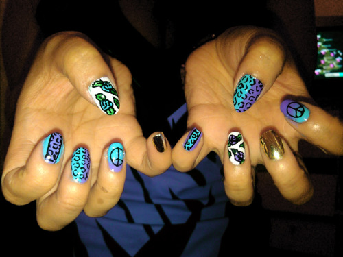 Mix-Match Nails.
