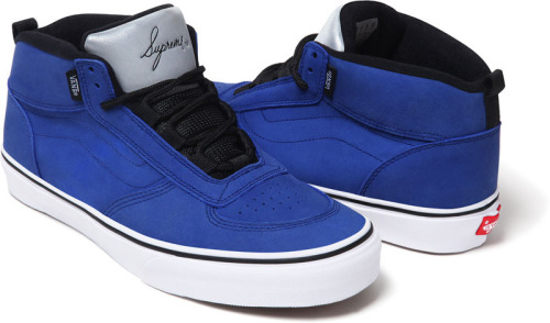Supreme x Vans MC Spring 2012 - A new version of the Vans MC is about to hit stores for Spring.  Featuring a vulcanized waffle outsole and reflective tongue, the shoe is made exclusively for Supreme by Vans and will come in four distinct colorways.  Available starting March 8th online and in Supreme stores.