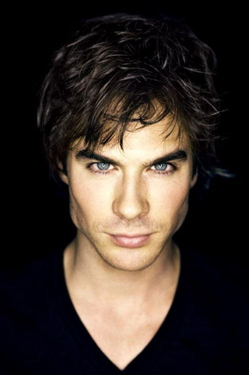 I never noticed it until my sister mentioned it but Ian Somerhalder looks like a young Rob Lowe haha