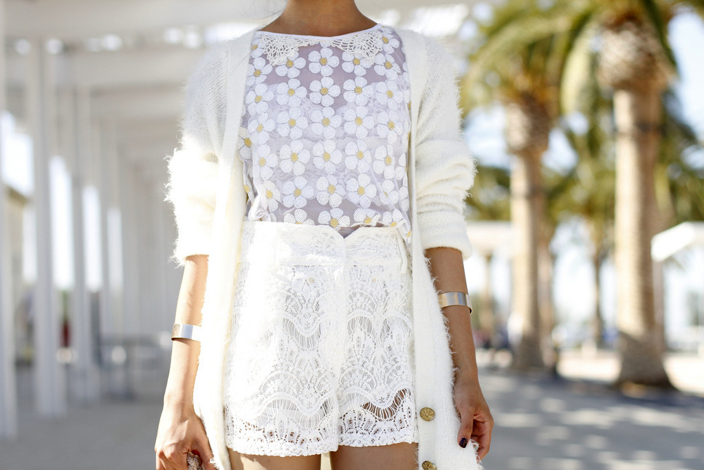 what-do-i-wear:  Mink Pink Cardigan / Free People Daisy Mad Love Top / Again Trench Shorts / Asos Cuffs  (image: lusttforlife)