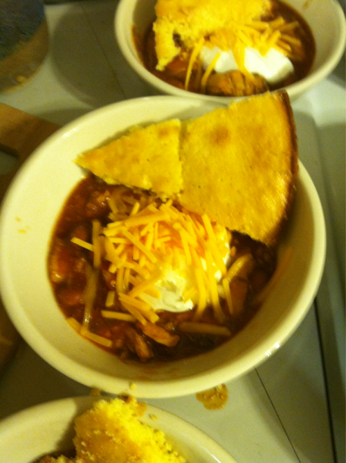 Chili and Sweet Corn Bread