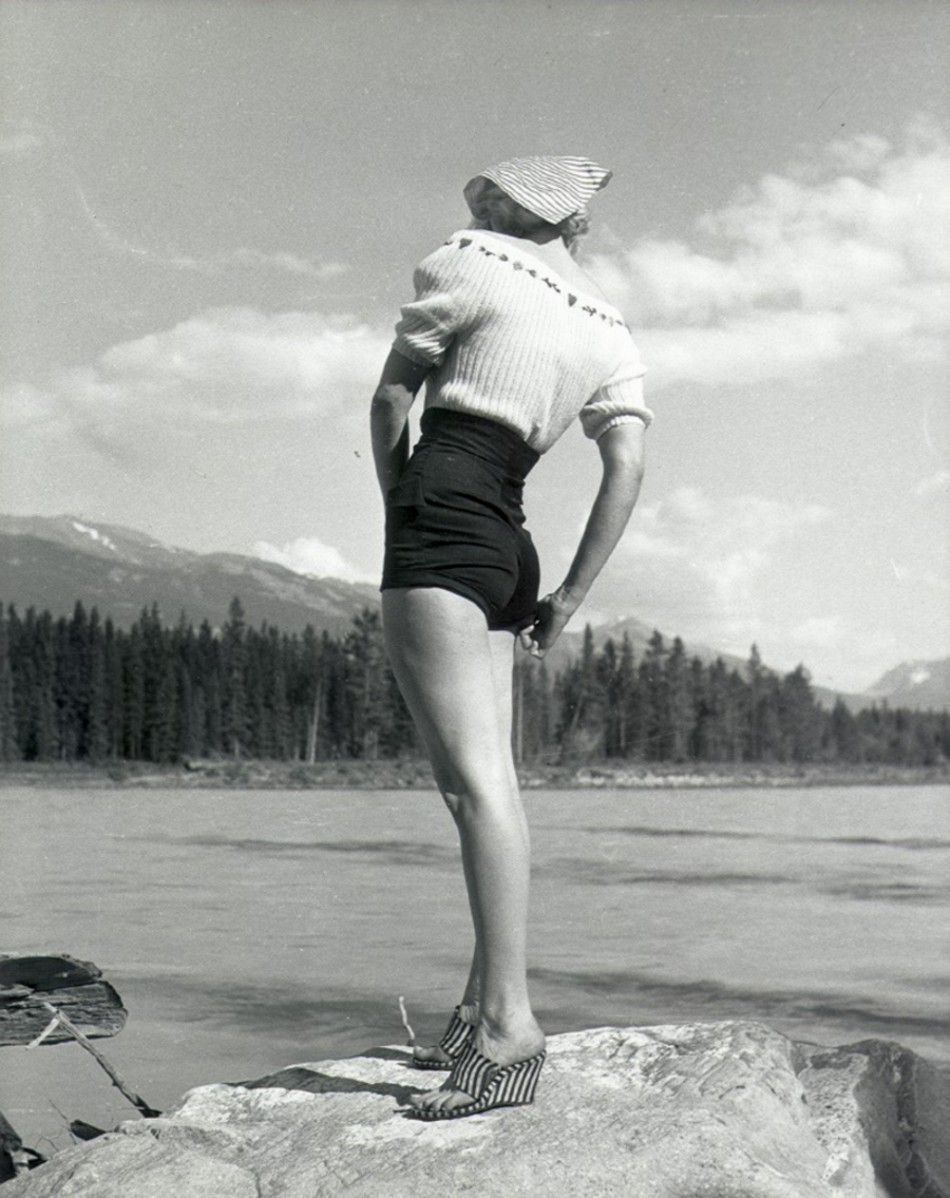 Marilyn Monroe during the filming of The River of No Return in 1952